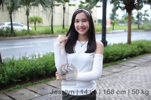 Jesslyn   14 yo   168 cm   50 kg